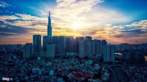 Landmark 81 - Tòa nhà cao nhất Việt Nam - lúc bình minh. Ảnh: Hoàng Hà - ZingNews