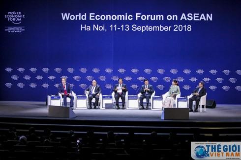 Các nhà lãnh đạo chia sẻ về tầm nhìn mới khu vực Mekong. (Ảnh: Nguyễn Hồng)
