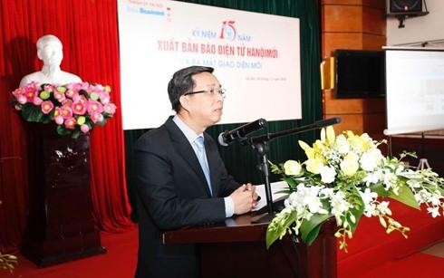 Nhà báo Nguyễn Hoàng Long, Bí thư Đảng ủy, Tổng Biên tập Báo Hànộimới phát biểu