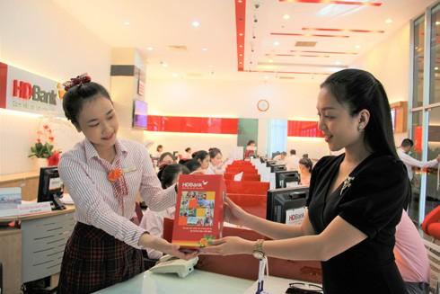 HDBank tặng quà xinh cho bé nhân dịp Quốc tế thiếu nhi