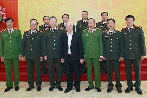 Tổng Bí thư, Chủ tịch nước Nguyễn Phú Trọng; Bộ trưởng Tô Lâm và các đại biểu tại Hội nghị Ban Thường vụ Ðảng ủy Công an Trung ương diễn ra vào ngày 04/12/2019