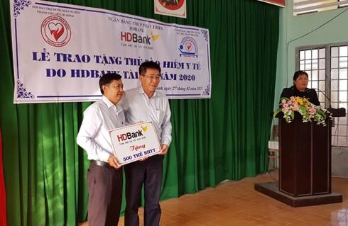 HDBank chung tay hỗ trợ người nghèo vượt qua mùa dịch bệnh