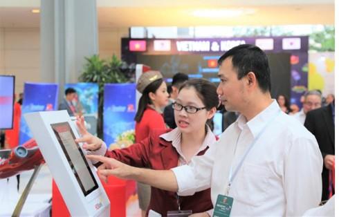 Ra mắt chương trình 'Tải App HDBank – Rinh Vespa sành điệu' từ HDBank