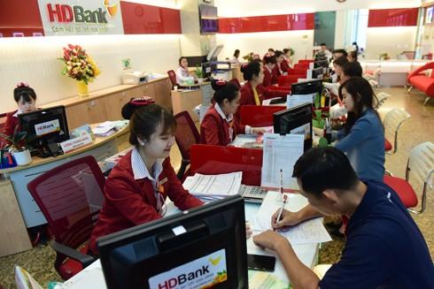 Gửi tiết kiệm có lãi có quà, cả nhà tỷ phú cùng HDBank