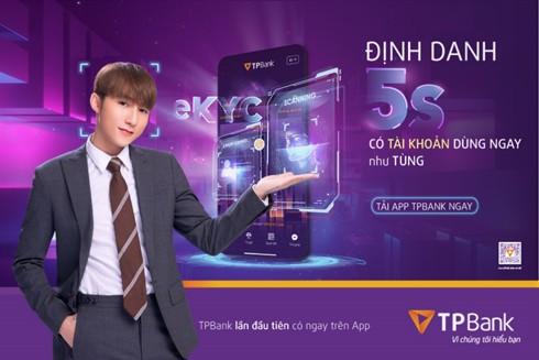 Ca sĩ Sơn Tùng M-TP với hình ảnh lịch lãm, trưởng thành trong vai trò đại sứ thương hiệu của TPBank