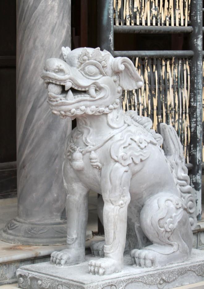 Làng nghề Trạch Xá di dời sư tử đá ngoại lai, đón nhận nghê Việt ảnh 4
