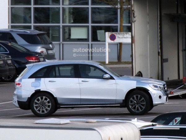 Mercedes-Benz GLC 2016 hé lộ những hình ảnh đầu tiên ảnh 1