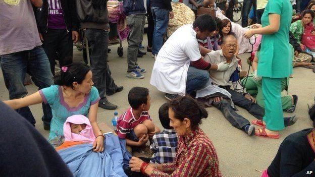 Nepal: 876 người chết trong trận động đất kinh hoàng ảnh 6