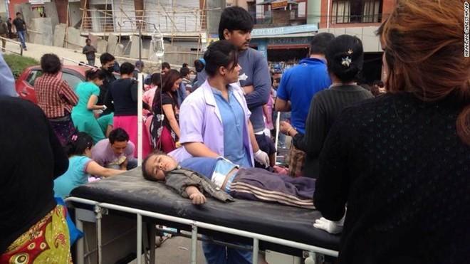 Nepal: 876 người chết trong trận động đất kinh hoàng ảnh 7