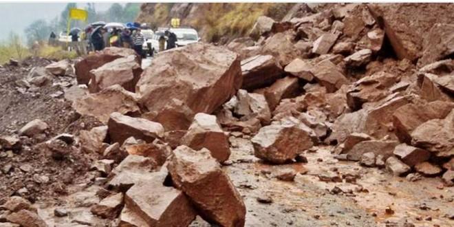 Nepal: 876 người chết trong trận động đất kinh hoàng