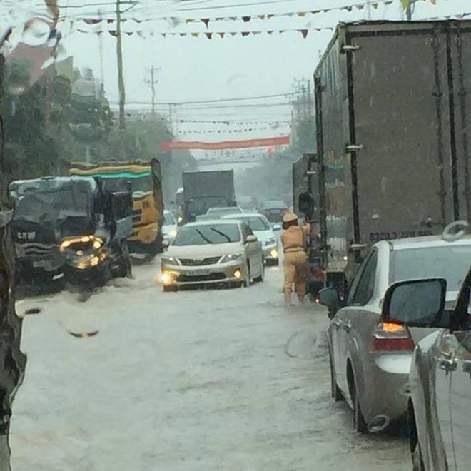Quảng Ninh chìm trong trận mưa lũ lớn nhất trong vòng 4 thập kỷ ảnh 3