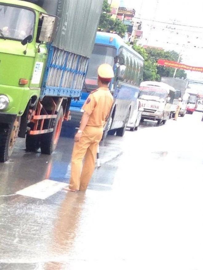 Quảng Ninh chìm trong trận mưa lũ lớn nhất trong vòng 4 thập kỷ ảnh 4