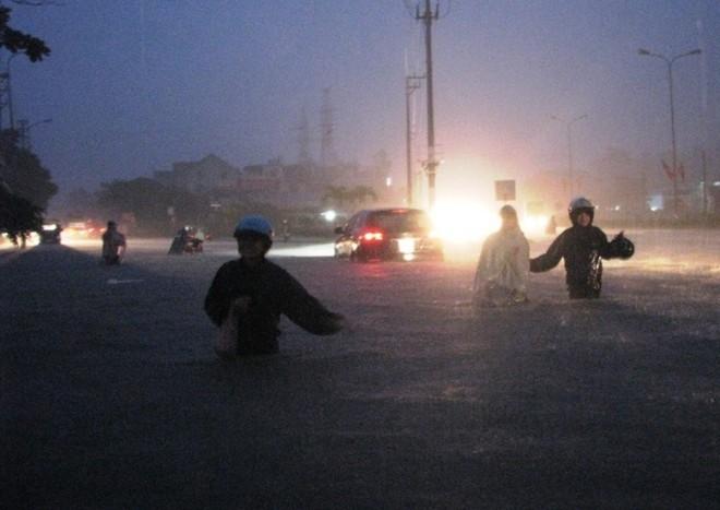 Quảng Ninh chìm trong trận mưa lũ lớn nhất trong vòng 4 thập kỷ ảnh 11
