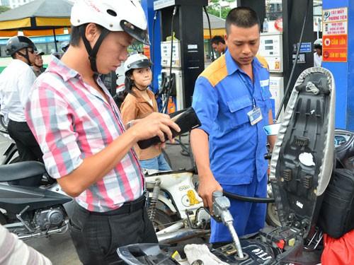 Xăng dầu tiếp tục giảm giá mạnh gần 1.200 đồng/lít ảnh 1