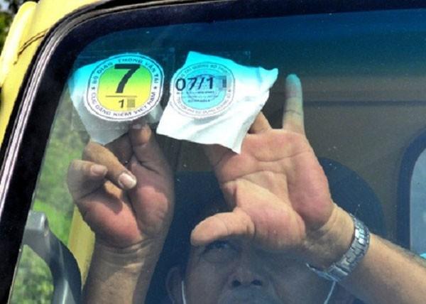 Sắp bỏ tem nộp phí sử dụng đường bộ với ôtô ảnh 1