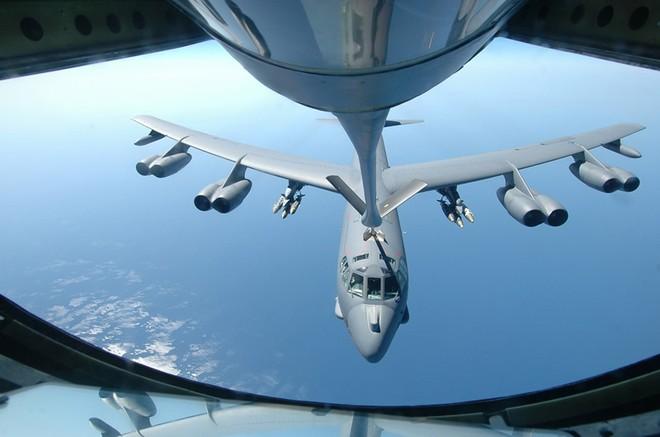 Mỹ nâng cấp pháo đài bay B-52, có thể phóng vũ khí thông minh ảnh 1