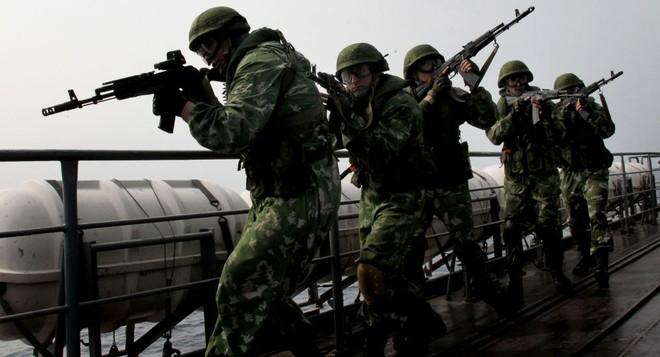 """Nga tập trận rầm rộ, NATO lại """"đứng ngồi không yên"""" ảnh 1"""