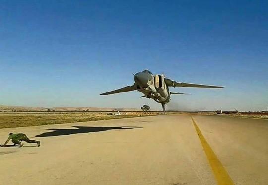 Libya: Một máy bay MiG-23 bị bắn rơi tại Benghazi ảnh 1