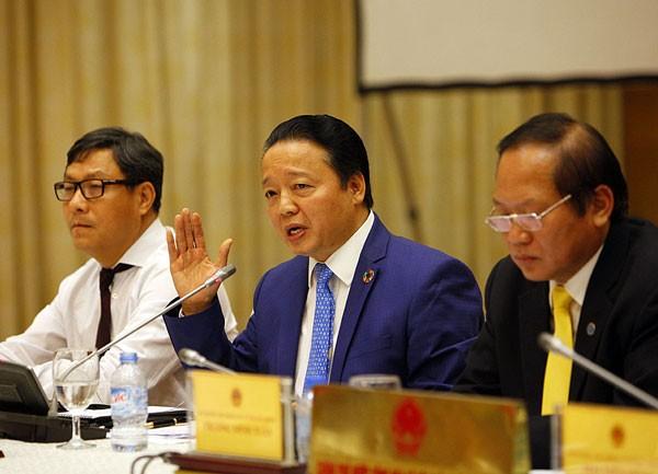 Bộ trưởng Bộ Tài nguyên và Môi trường Trần Hồng Hà (giữa) sẽ làm Chủ tịch Hội đồng giám sát (Ảnh: VietNamNet).