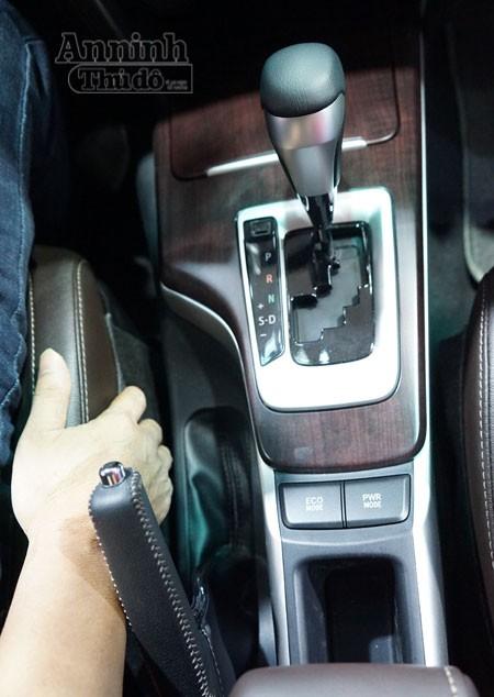 Chi tiết hàng 'hot' chính hãng Toyota Fortuner 2016 ảnh 12
