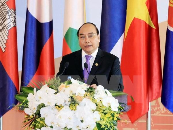 Thủ tướng Nguyễn Xuân Phúc phát biểu khai mạc hội nghị. (Nguồn: TTXVN)