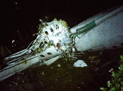 Máy bay chở đội bóng Brazil rơi ở không phận Colombia