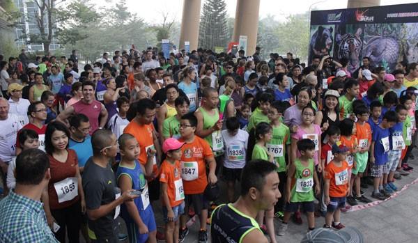 Hơn 600 người tham gia giải 'Chạy vì động vật hoang dã 2016'