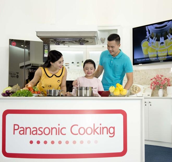 """Giáng sinh """"Ấm áp bên gia đình"""" cùng Panasonic Risupia Vietnam"""