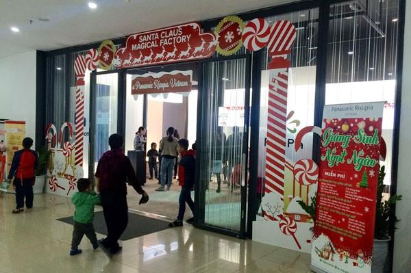 """Vui lễ hội """"Giáng sinh ngọt ngào"""" tại nhà máy kẹo ngọt Panasonic Risupia"""