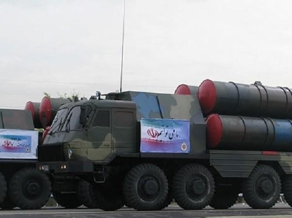 Iran lần đầu phóng thử S-300 trong tập trận