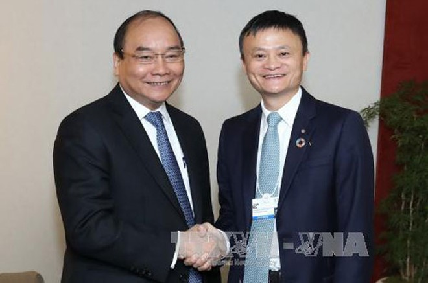 Thủ tướng Nguyễn Xuân Phúc gặp Chủ tịch Tập đoàn Alibaba, ông Jack Ma. Ảnh: Thống Nhất/TTXVN