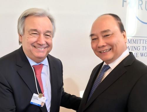 Thủ tướng gặp gỡ, tiếp xúc song phương tại Davos ảnh 1