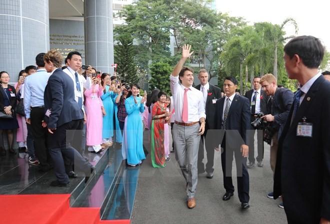 Thủ tướng Trudeau bình dị, cởi mở khi gặp gỡ sinh viên TP.HCM ảnh 2