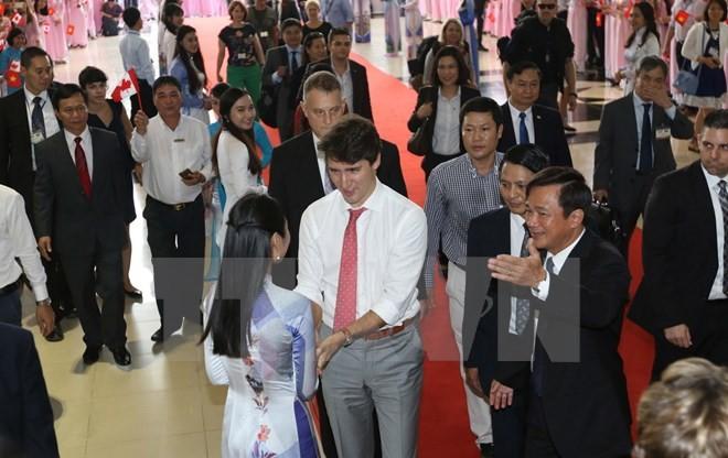 Thủ tướng Trudeau bình dị, cởi mở khi gặp gỡ sinh viên TP.HCM ảnh 4