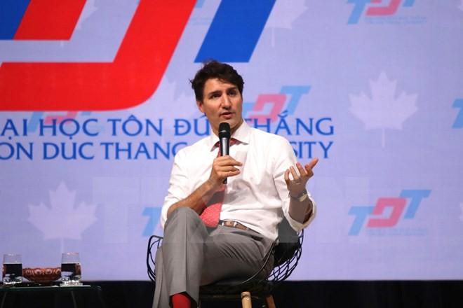 Thủ tướng Trudeau bình dị, cởi mở khi gặp gỡ sinh viên TP.HCM ảnh 7