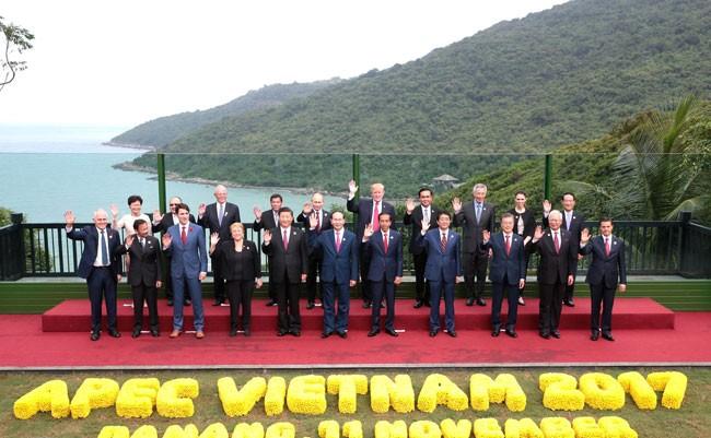 Các nhà Lãnh đạo 21 nền kinh tế Diễn đàn Hợp tác Kinh tế châu Á - Thái Bình Dương (APEC)