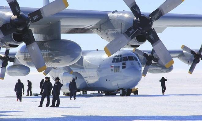 Máy bay quân sự C-130 Hercules tại Nam Cực. Ảnh: Không quân Chile
