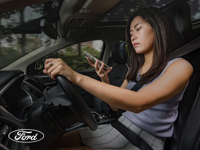 Những mối phân tâm không ngờ tới khi lái xe hàng ngày và cách phòng tránh