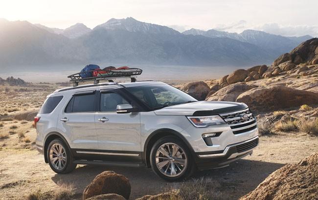 SUV Ford Explorer bất ngờ giảm giá tới 269 triệu đồng