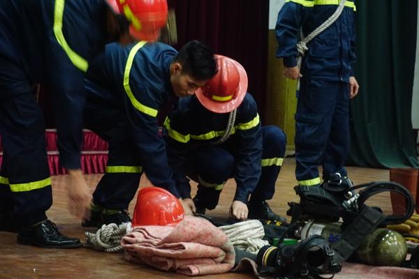 Những kinh nghiệm cứu mạng khi xảy cháy ảnh 5