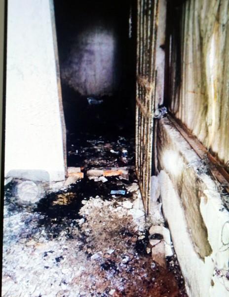 Hình ảnh hiện trường vụ cháy khiến 5 người trong gia đình bị chết ngạt ảnh 6