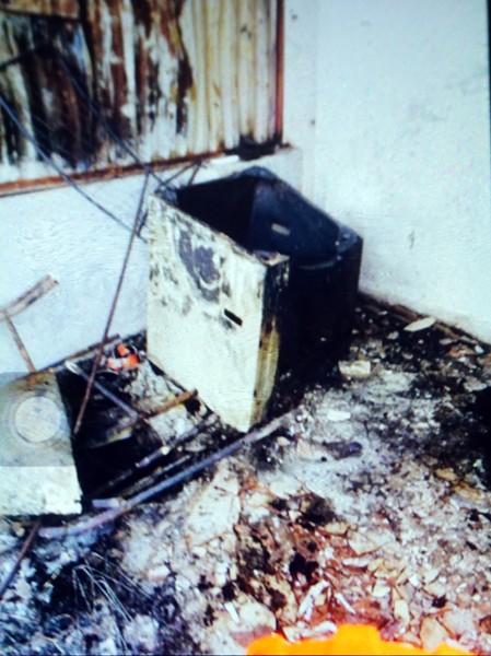 Hình ảnh hiện trường vụ cháy khiến 5 người trong gia đình bị chết ngạt ảnh 5