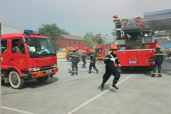 Diễn tập cứu nạn, cứu hộ, chữa cháy kho xăng dầu Vạn Điểm