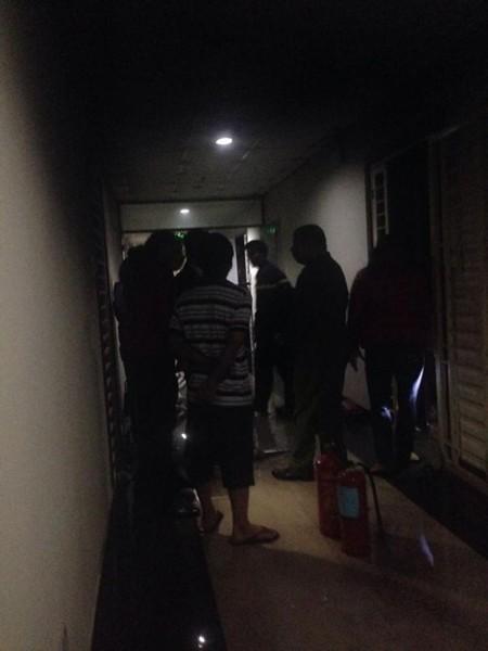 Lực lượng Cảnh sát PCCC khám nghiệm hiện trường vụ hỏa hoạn