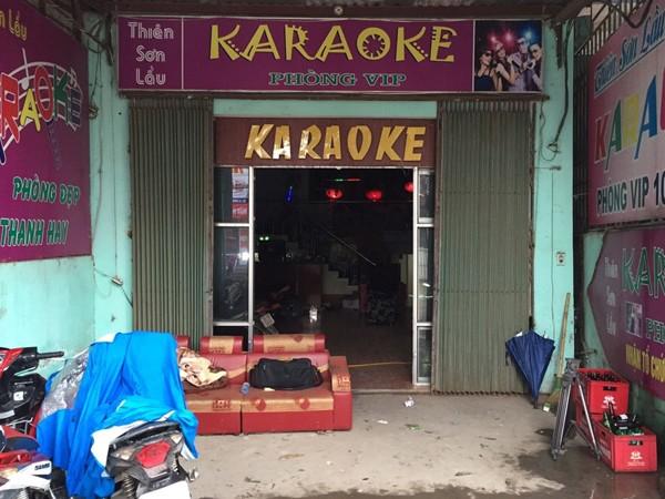 """Hàng chục đôi nam, nữ điên cuồng """"bay lắc"""" trong quán karaoke ảnh 1"""