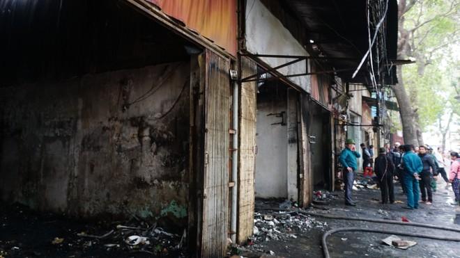 Cháy lớn thiêu rụi 6 ki ốt ở Tây Mỗ, Hà Nội ảnh 4