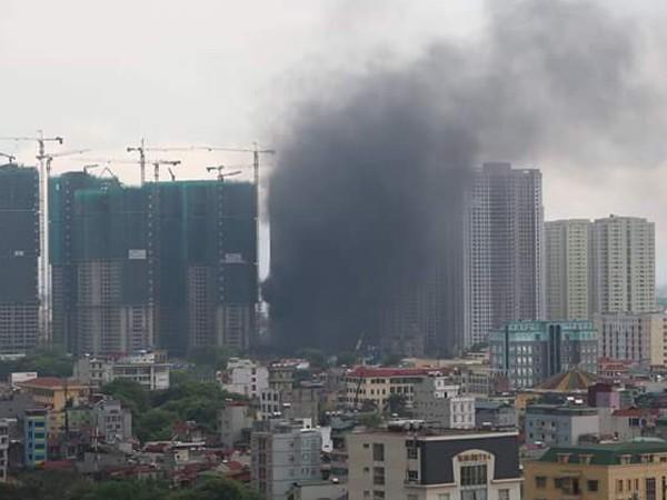 Việc đốt rác không theo quy trình đã gây ô nhiễm môi trường đô thị