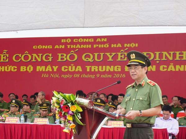 Thiếu tướng Đoàn Duy Khương phát biểu và giao nhiệm vụ cho lực lượng CSCĐ