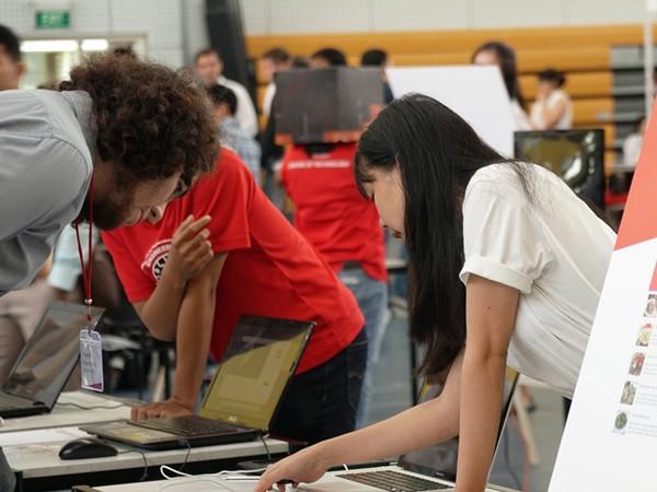 Triển lãm các dự án công nghệ của sinh viên