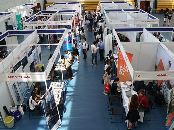 25 nhà tuyển dụng tham dự triển lãm